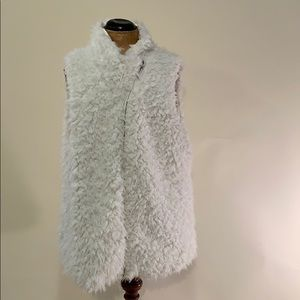 Sherpa fur vest with curved zipper detail
